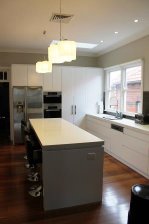 Shadowline Kitchen And Cabinets